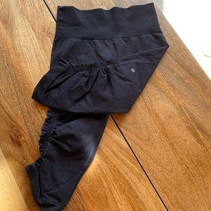 Lululemon short leggings